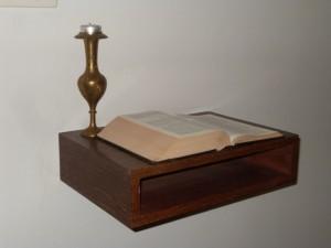 De Bijbel kan uiteraard niet ontbreken in de van oorsprong gereformeerde instelling. (Foto Monique Huizer)