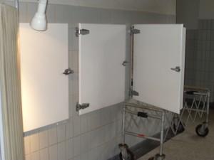 De koelcel (drie deuren in een grote koelcel) die tot 2010 dienst gedaan heeft. (Foto Monique Huizer)